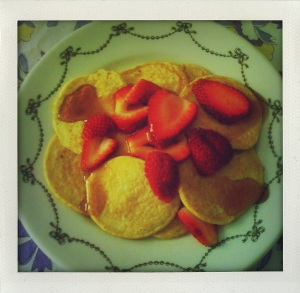 """cottage cheese pancakes with strawberries"""