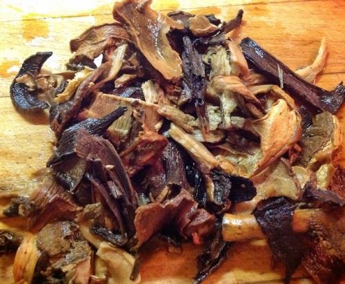 rehydrating dried mushrooms