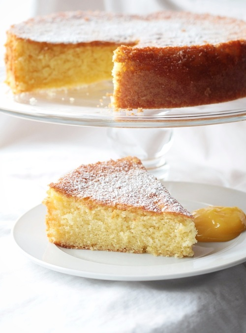 Olive oil lemon cake with lemon curd