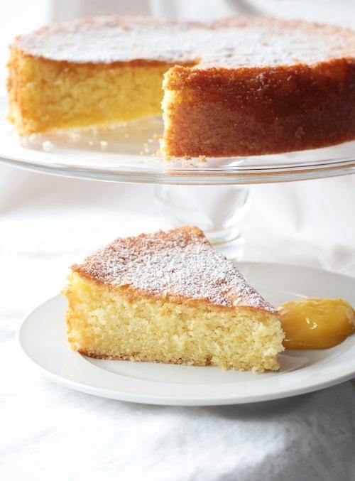 Olive oil lemon cake with lemon curd