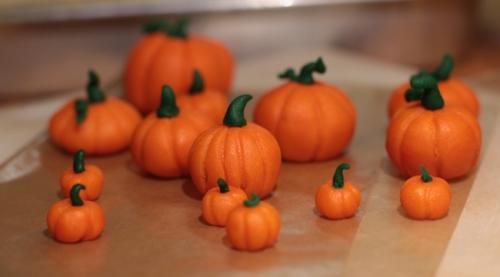 Marzipan pumpkins