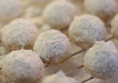 12 Days of Rebaking Christmas cookies - Snowballs