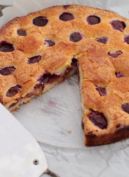Marrian Burros super simple plum cake